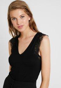 Morgan - DUNE - T-shirt med print - noir - 3