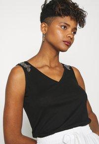 Morgan - T-shirt basique - noir - 3