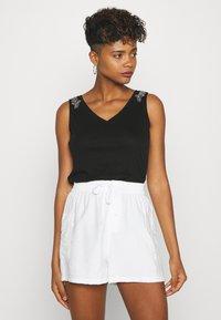 Morgan - T-shirt basique - noir - 0