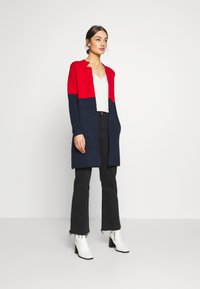 Morgan - BLOCK - Cardigan - rouge/marine - 1