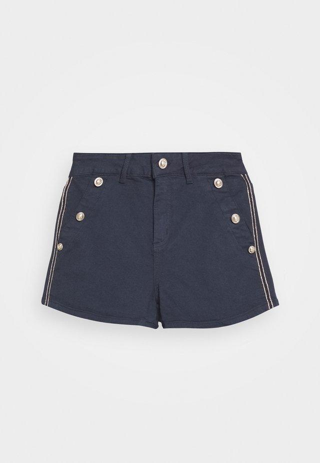 Short - marine