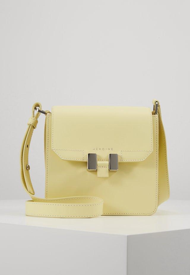 TILDA PHONE - Across body bag - lemon glaze