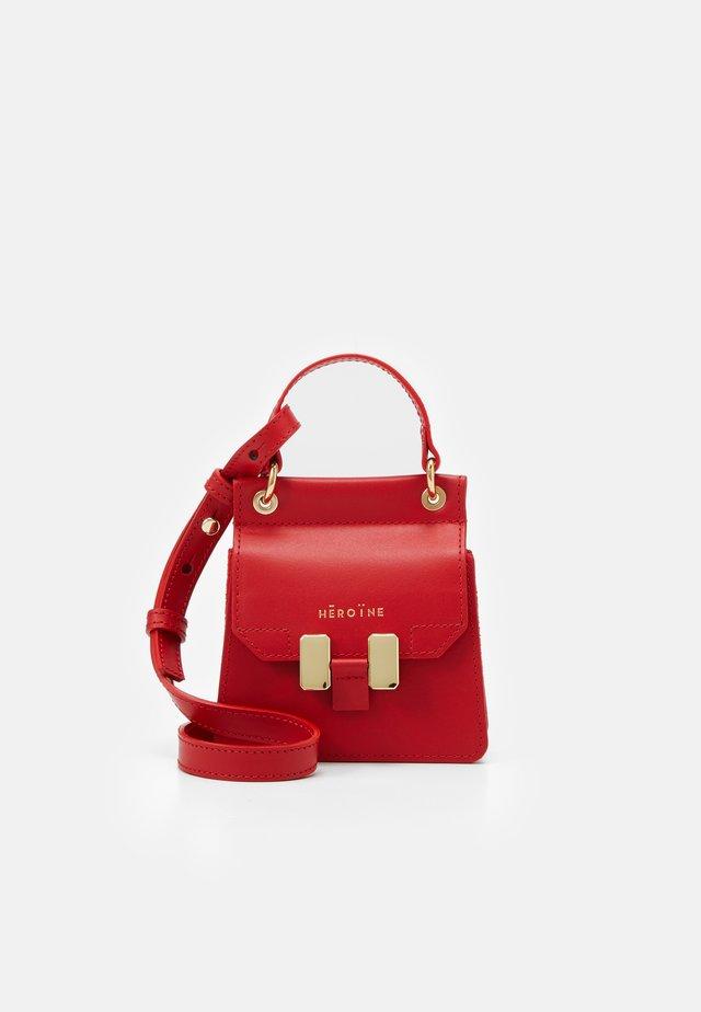 NANO MARLENE - Across body bag - poppy red