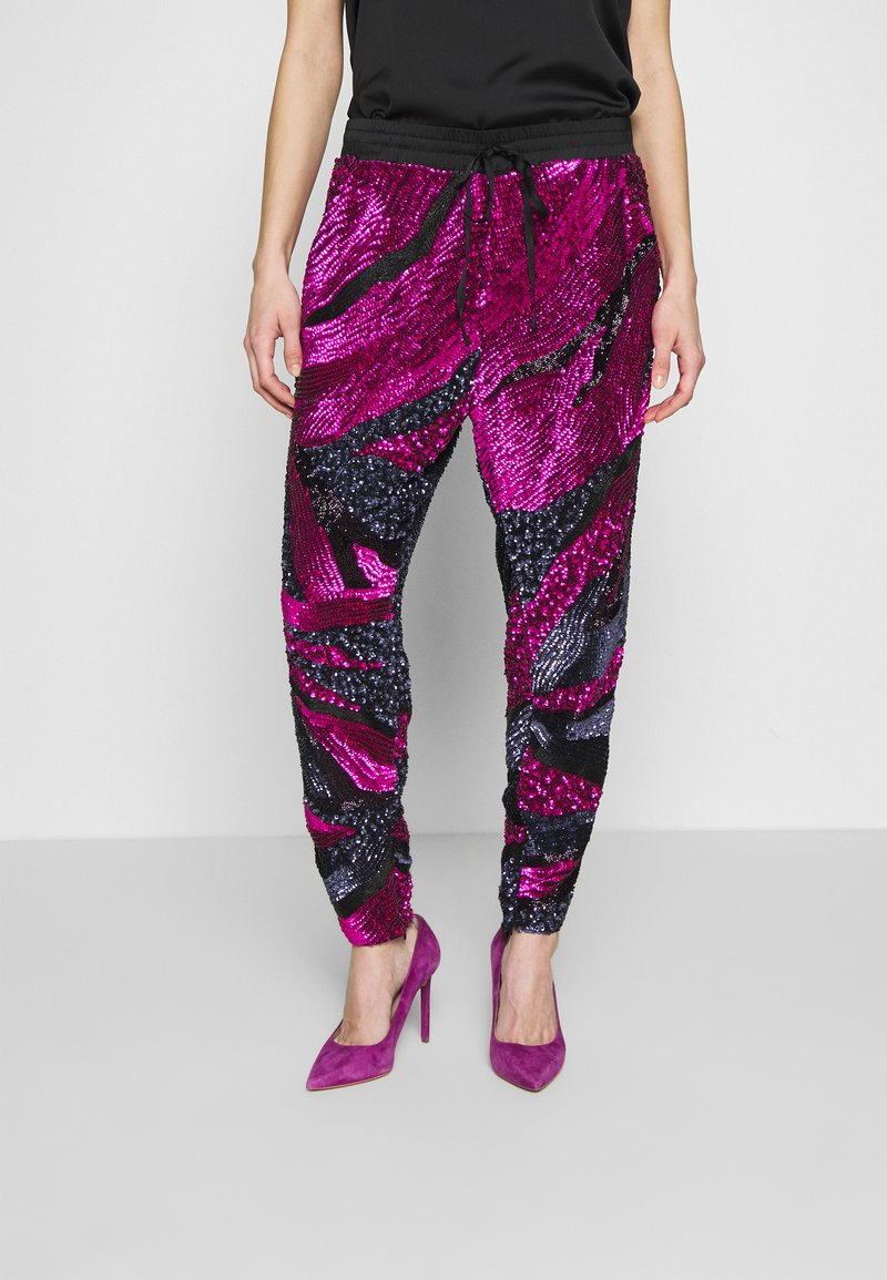 MANÉ - SOFIA TROUSERS - Trousers - washed black/magenta