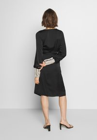 MANÉ - PEARL WRAP DRESS - Cocktail dress / Party dress - black/pearl - 2