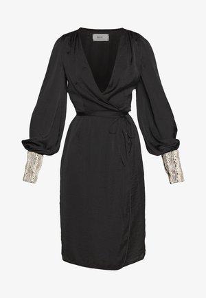PEARL WRAP DRESS - Vestito elegante - black/pearl