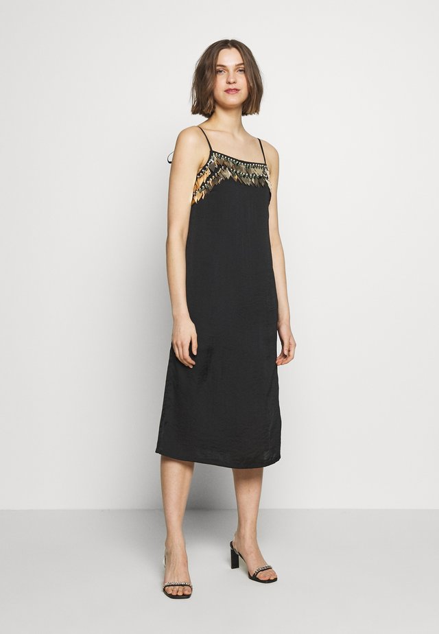 NOCTIS DRESS - Juhlamekko - washed black/gold