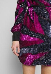 MANÉ - SOFIA WRAP DRESS - Juhlamekko - washed black/magenta - 5