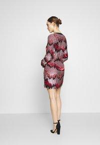 MANÉ - RAE DRESS - Cocktail dress / Party dress - lilac/rouge - 2