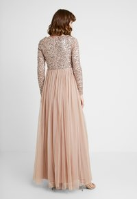 Maya Deluxe Maternity - LONG SLEEVE DELICATE SEQUIN MAXI DRESS WITH SKIRT - Ballkjole - taupe blush - 3