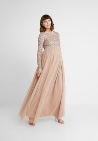 Maya Deluxe Maternity - LONG SLEEVE DELICATE SEQUIN MAXI DRESS WITH SKIRT - Ballkjole - taupe blush - 2