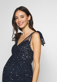 Maya Deluxe Maternity - TIE SHOULDER MAXI DRESS - Suknia balowa - navy - 3