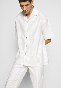 Martin Asbjørn - DICKIE  - Shirt - white pinstripe - 5