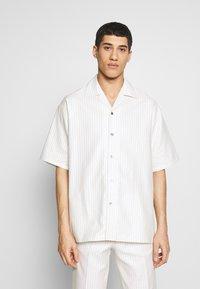Martin Asbjørn - DICKIE  - Shirt - white pinstripe - 0