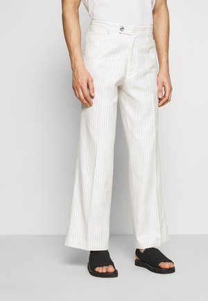 GREENLEAF TROUSERS - Stoffhose - white