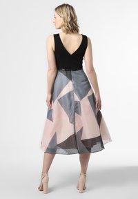 Marie Lund - Cocktail dress / Party dress - rosa schwarz - 1
