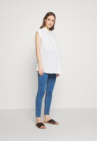 Missguided Maternity - OVER BUMP VICE SUPERSTRETCHY - Jeans Skinny Fit - blue - 1