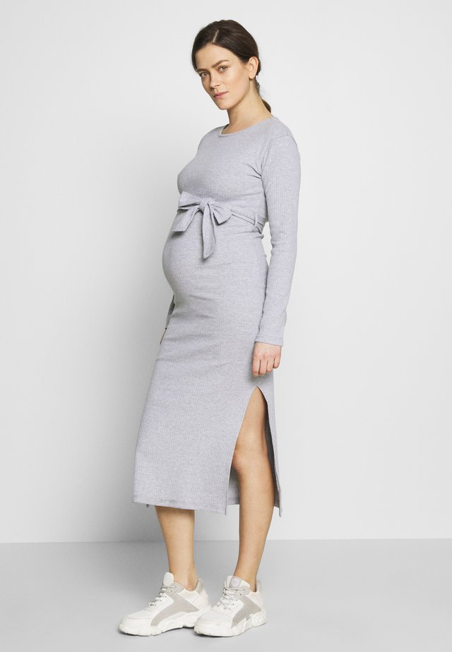 SOFT SPLIT SIDE BELTED DRESS - Jerseyklänning - grey