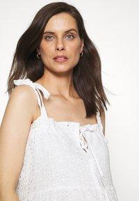 Missguided Maternity - CAMI MINI DRESS - Denní šaty - white - 4