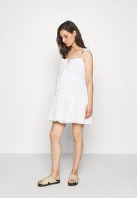 Missguided Maternity - CAMI MINI DRESS - Denní šaty - white - 0