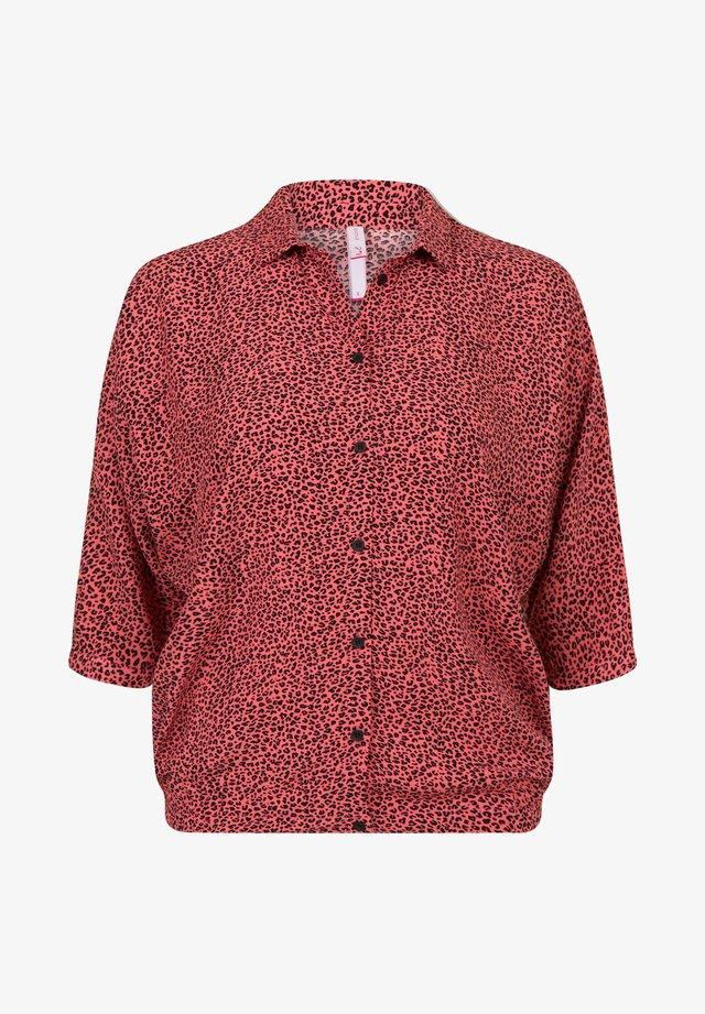 MAGGIE - Overhemdblouse - bright coral