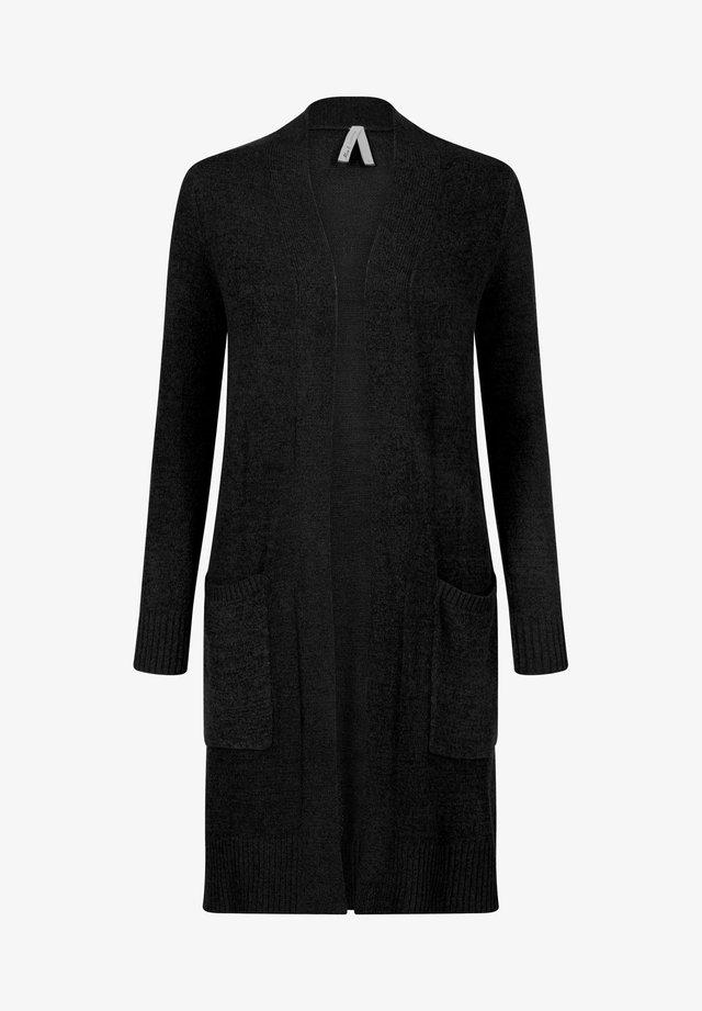 TARA TAPEYARN  - Vest - black