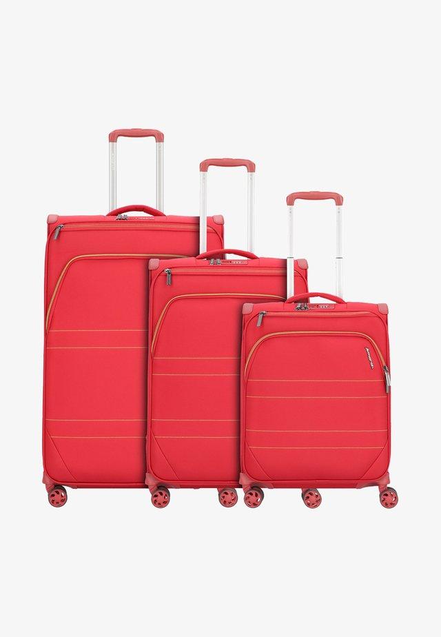 3 SET  - Kofferset - red