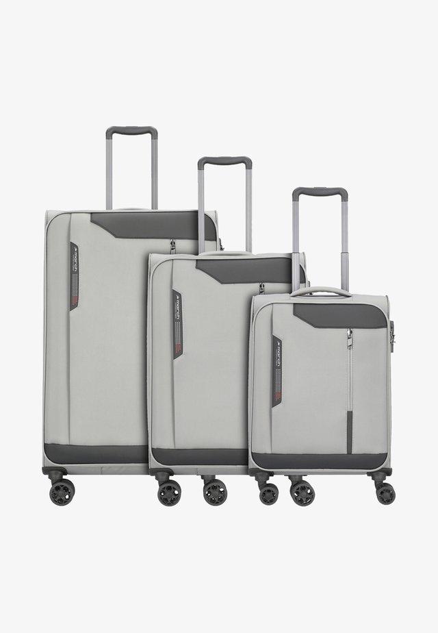 SET - Luggage set - grey