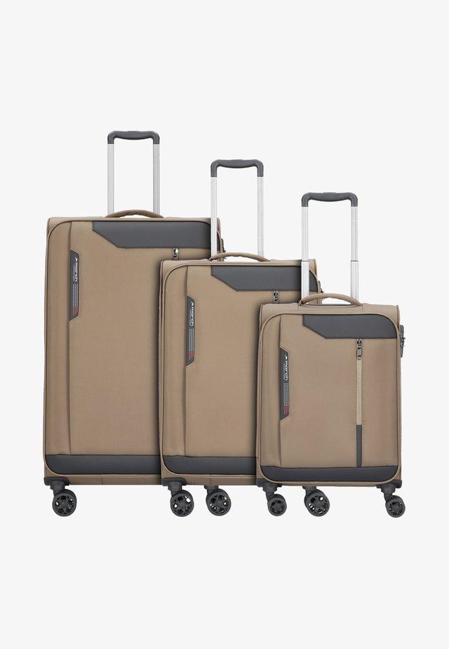 SET - Luggage set - olive