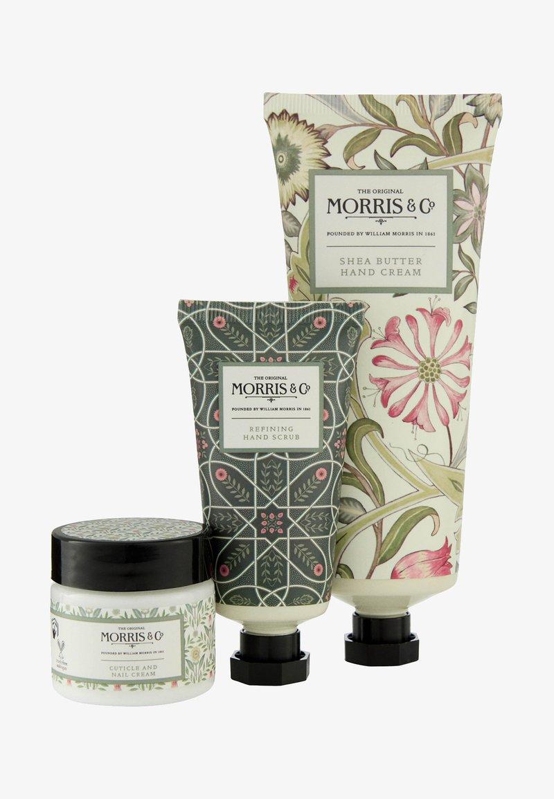 Morris & Co - JASMIN & GREEN TEA HAND CARE TREATS - Bath and body set - -
