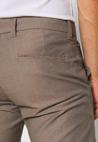 Matinique - MAPRISTU - Trousers - warm khaki - 3