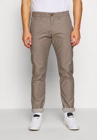 Matinique - MAPRISTU - Trousers - warm khaki - 0