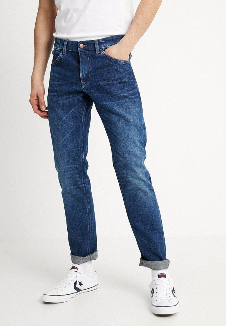 Matinique - PRISTON - Straight leg jeans - medium denim
