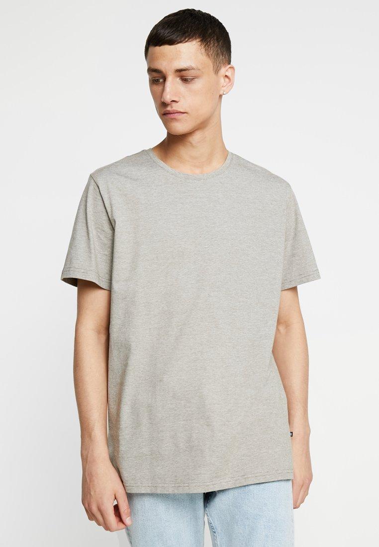 Matinique - JERMANE - T-Shirt basic - rich khaki