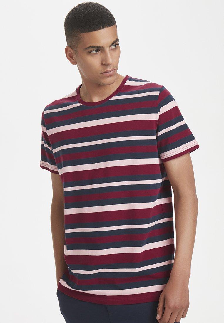 Matinique - JERMANE - T-Shirt print - purple