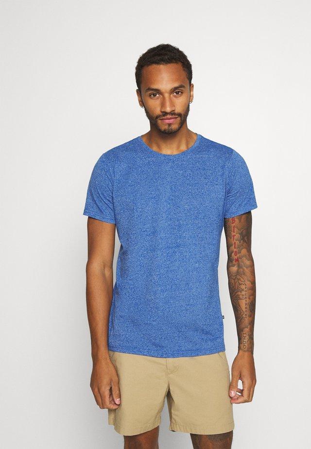 JERMANE SIRO - T-Shirt print - mediterranien blue
