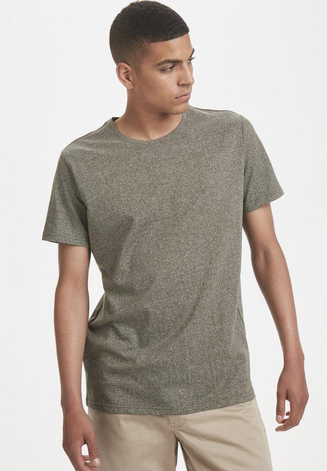 JERMANE SIRO - T-shirt basic - forest night