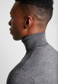 Matinique - MAPARCUSMAN - Jumper - grey melange - 5