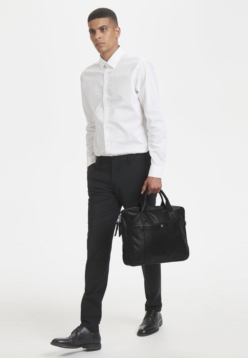 Matinique - COMMUTERMA - Briefcase - black