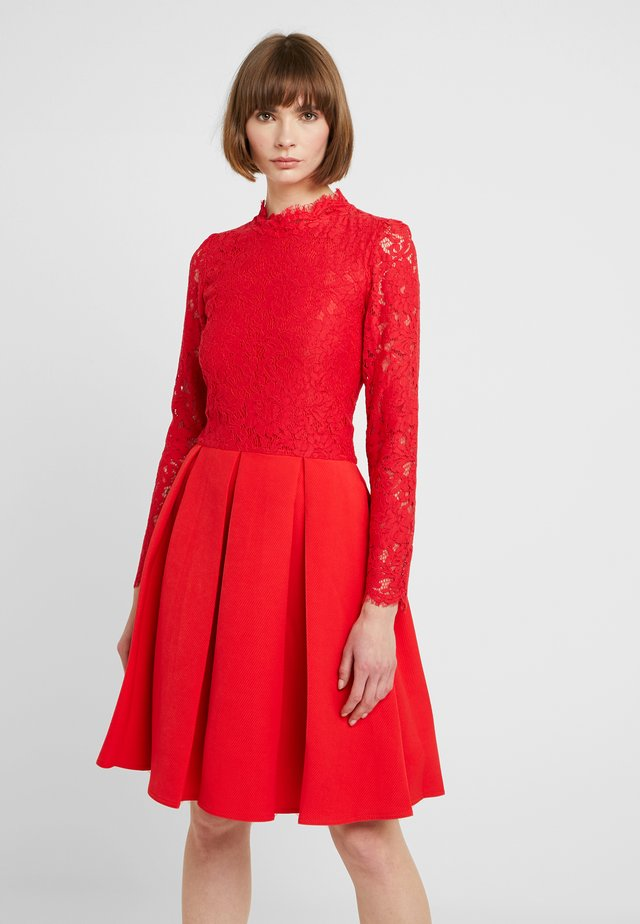 LONG SLEEVES - Cocktailjurk - red
