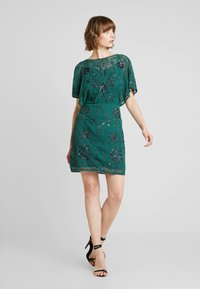 Molly Bracken - Vestido de cóctel - fir green - 2