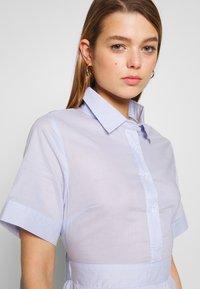 Molly Bracken - LADIES WOVEN DRESS - Sukienka koszulowa - blue - 4