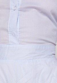 Molly Bracken - LADIES WOVEN DRESS - Sukienka koszulowa - blue - 6
