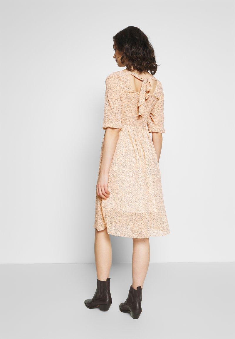 Molly Bracken - LADIES DRESS - Denní šaty - ashley powder pink