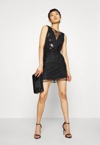 Molly Bracken - STAR LADIES - Vestido de cóctel - black - 1