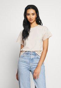 Molly Bracken - LADIES KNITTED TEE - T-shirts med print - beige - 0