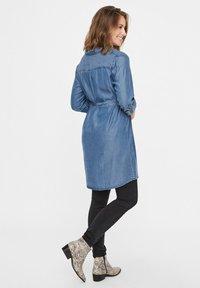 MAMALICIOUS - Vestito di jeans - dark blue denim - 2