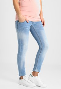 MAMALICIOUS - MLBIRDIE NEW  - Jeans Slim Fit - light blue denim - 0