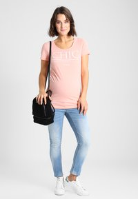 MAMALICIOUS - MLBIRDIE NEW  - Jeans Slim Fit - light blue denim - 1