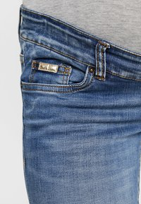 MAMALICIOUS - MLGOLDEN - Slim fit jeans - light blue denim - 3